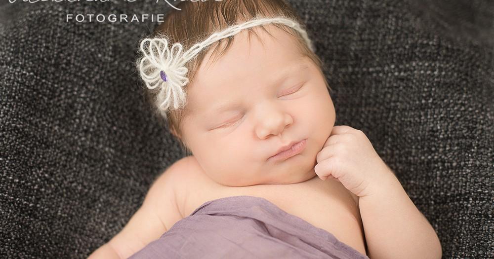 Willkommen im Leben, Mia! Neugeborenenfotos